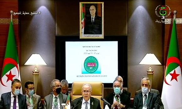 Comienza en Argel la reunión de cancilleres de países vecinos para abordar la situación de Libia
