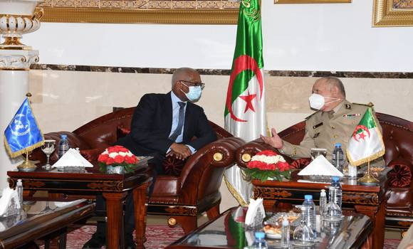 El Jefe de Estado Mayor del Ejército argelino recibe al enviado de la ONU para Mali y le manifiesta su preocupación por la guerra del Sáhara Occidental