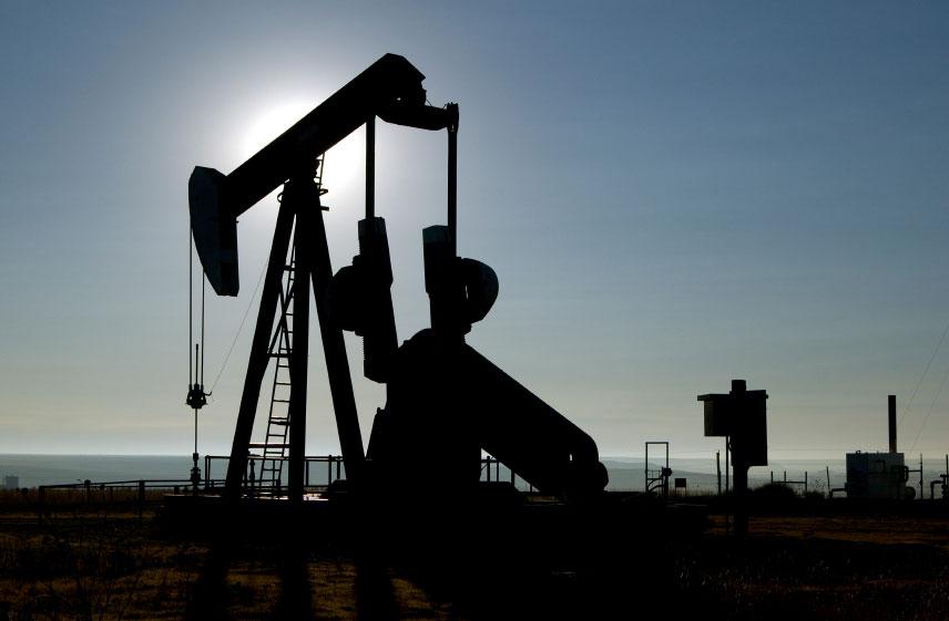Argelia aumentará su producción de petróleo a 932.000 barriles diarios en septiembre