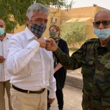 Koldo Martínez se reúne con el líder del Frente Polisario para conocer la situación de los refugiados