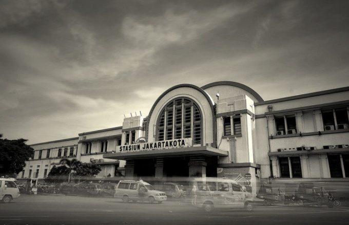 Stasiun Jakarta Kota via flickr.com