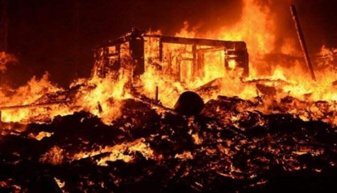 contoh teks berita bertema kebakaran