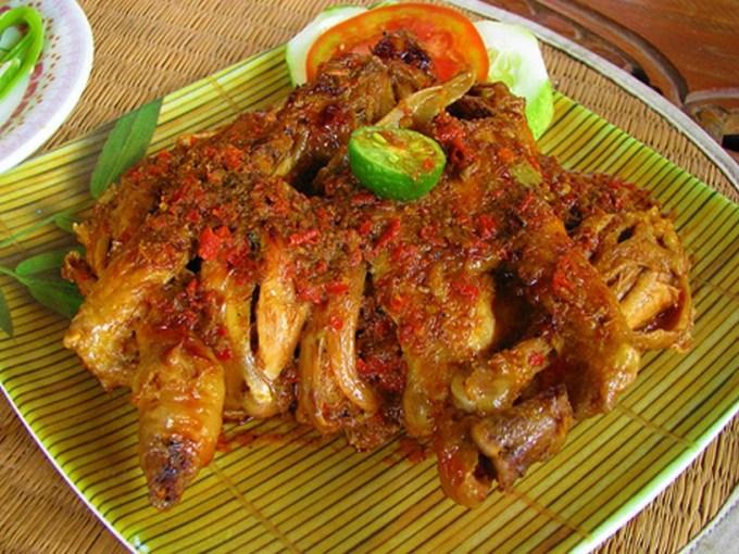 Cara Membuat dan Resep Ayam Betutu Gilimanuk