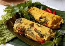 Cara membuat dan Resep Pepes Ayam Bumbu Kuning