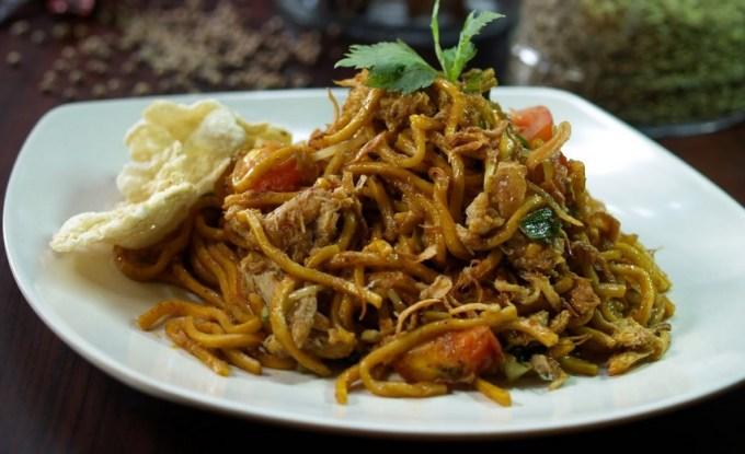Cara Membuat dan Resep Mie Goreng Spesial Ala Restoran