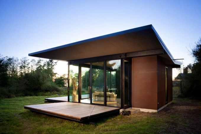 Desain Rumah Minimalis Paduan Kayu dan Metal