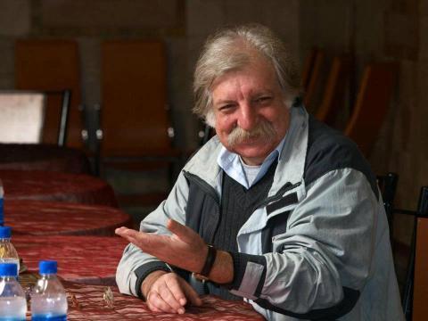 مترجم ایدئولوگ نیست—گفتگو با خشایار دیهیمی