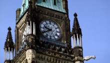 Édifices parlementaires du Canada, image du Tour de Paix avec détails