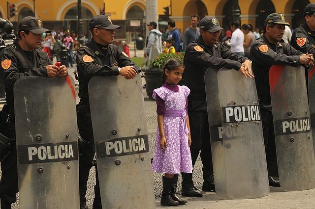 policia perú