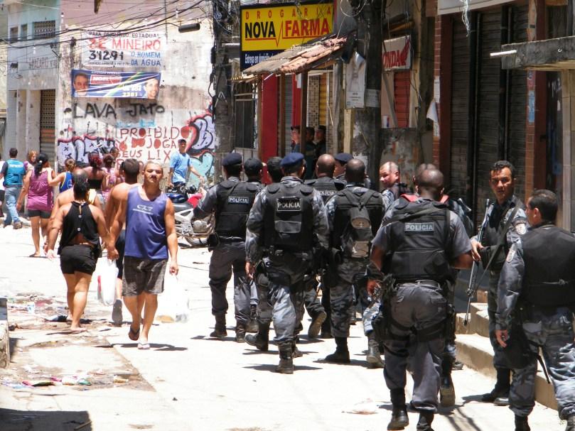 340.- Policiais_ocupam_Complexo_do_Alemao