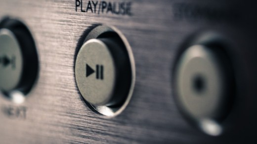 play pause listen
