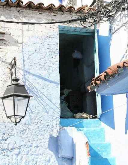 Blue house in Chefchaouen, Morocco (2011-10)