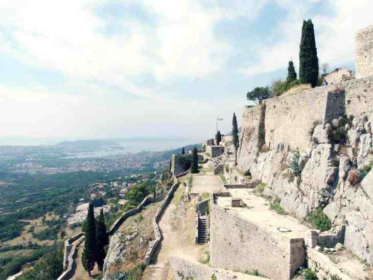 Klis Fortress with Split in the distance, Croatia (2016-09-15)