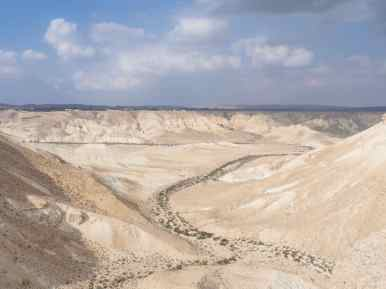 Last steep descend before Sde Boker, Israel (2017-02-09)