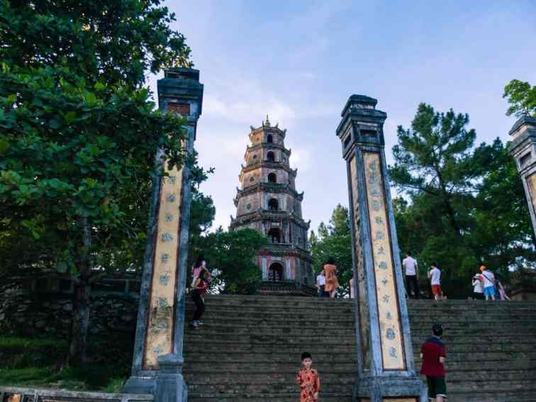 Thien Mu Pagoda at sunset, Hue, Vietnam (2017-06)