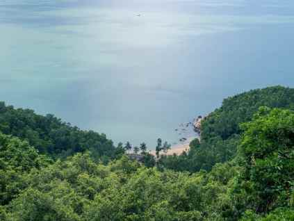 Look down into a bay on Monkey Peak peninsula, Da Nang, Vietnam (2017-06)