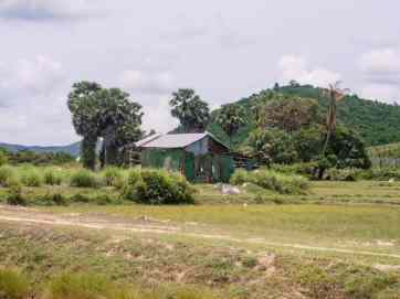 Farm house en route to Phnom Chhngok Cave Temple, Kampot, Cambodia (2017-04-29)