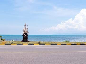 God sculpture, Kep, Cambodia (2017-04)