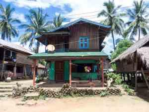 Ban Baw Village, Luang Say Mekong river cruise, Luang Prabang to Huay Say, Laos (2017-08)