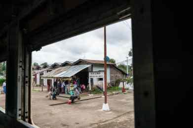 Myanmar train travels: Kalaw station on the slow train Shwenyaung (Inle Lake) to Thazi, Myanmar (2017-10)