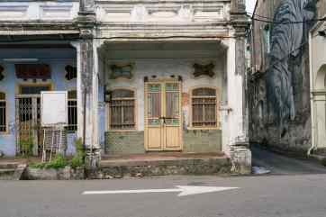 Entrance to a Chinese shop house - George Town, Penang, Malaysia - 20171217-DSC02878