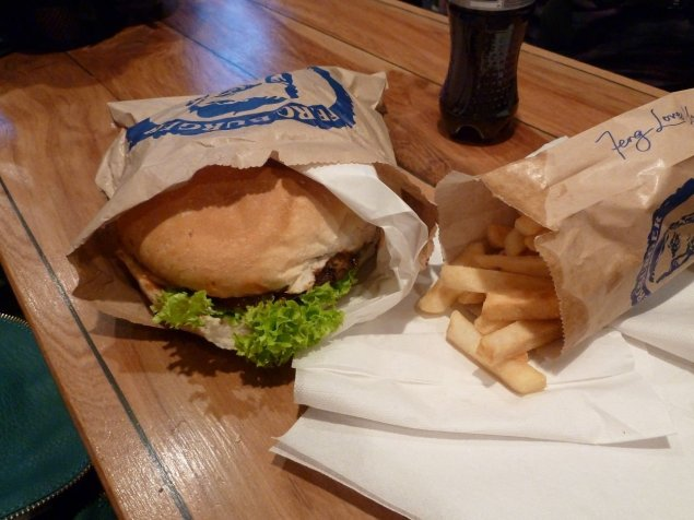 Fergburger and chips