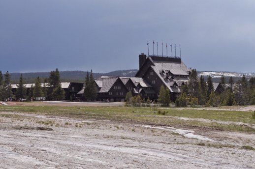 Yellowstone_old_faithful_4