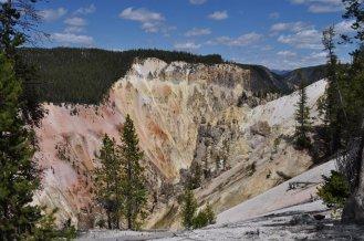 yellowstone canyon 13