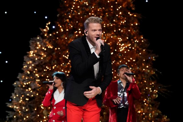 a very pentatonix christmas special 2017 watch online