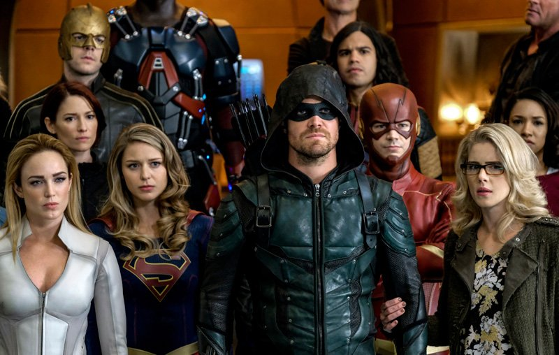 Crisis On Earth X Trailer And Photos- The CW
