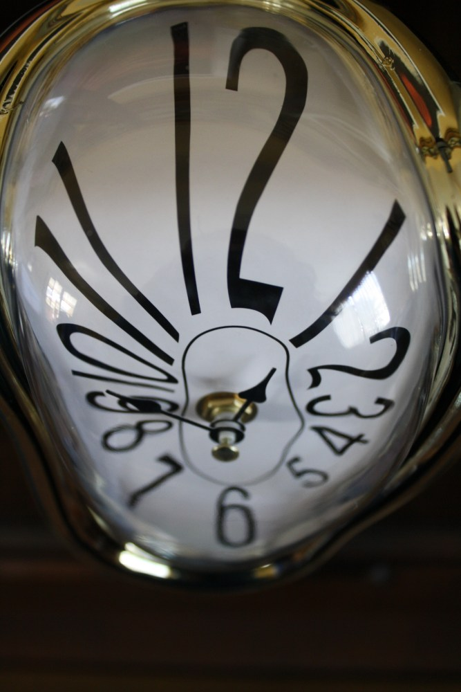 Melting Clock Clock! (4/4)