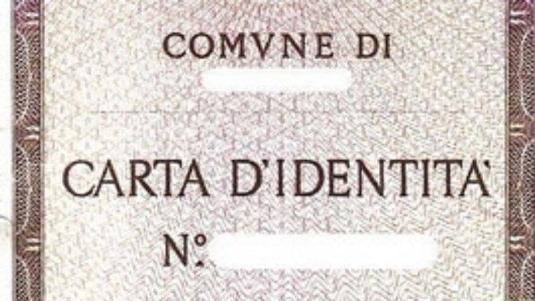 En Venecia niengan documento de identidad a la hija de una pareja gay