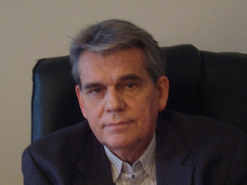 Estructuras de gobierno paralelas en Venezuela  Por:  José Luis Méndez La Fuente