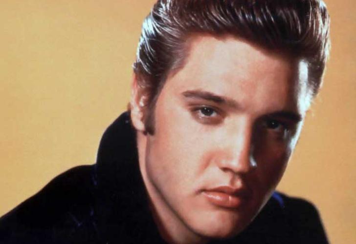 Seguidores de Elvis Presley realizan vigilia en honor al 41 Aniversario de su muerte