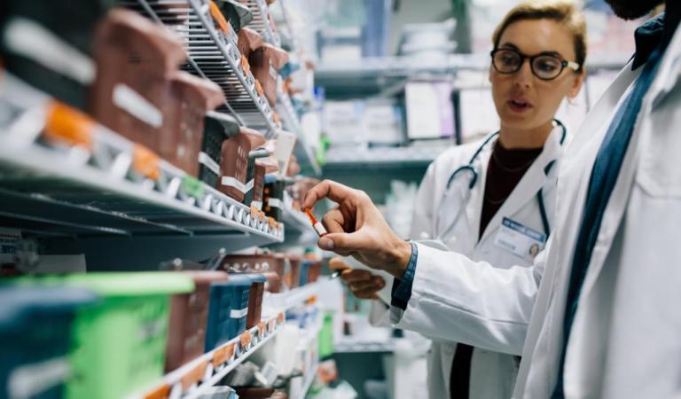 Mujer terminó en el hospital debido a la confusa letra de su médico
