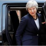 La primera ministra británica, Theresa May, se retira luego de una reunión con el presidente francés Emmanuel Macron para hablar sobre el Brexit en el Palacio del Elíseo en París, Francia, el 9 de abril de 2019
