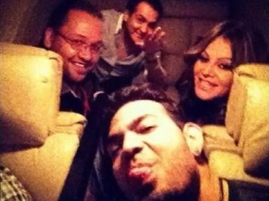 La última foto de la cantante @jennirivera en el avión, difundida en redes sociales.