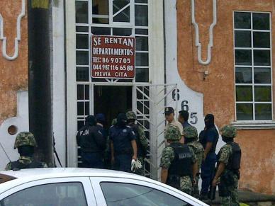 Complejo de departamentos donde habrían sido detenidos presuntos ladrones. (Foto: @LectorMx.