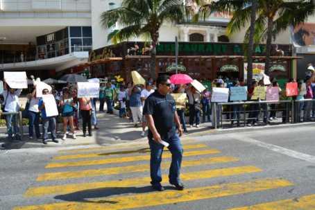 21puntaMaestros se manifestaron en Zona Hotelera (20)