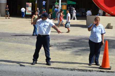 21puntaMaestros se manifestaron en Zona Hotelera (46)