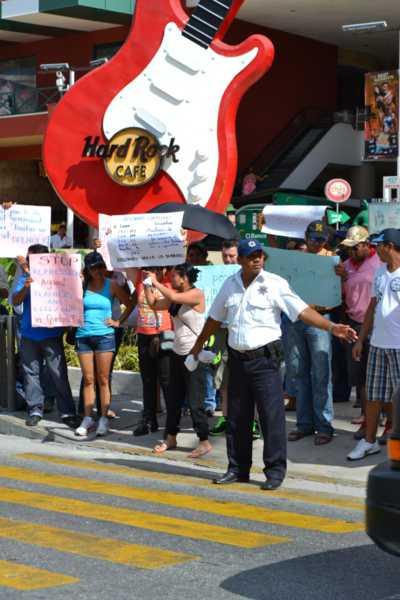 21puntaMaestros se manifestaron en Zona Hotelera (62)