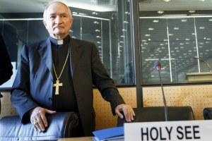 El arzobispo Silvano M. Tomasi, observador permanente de la Santa Sede a la Oficina de la ONU, antes de la audiencia sobre casos de tortura en el Vaticano.