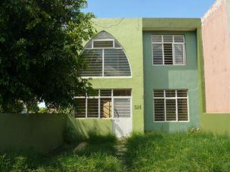 976a78b0-11ce-11e4-9280-97a398603f6b_P1230139-1-Uno-de-sus-casas-en-una-colonia-popular-en-Zamora-e1406024922431-1-