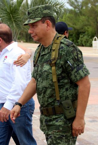 Comandante de la Guarnición Militar general Brigadier DEM Eduardo Vega Rivera.