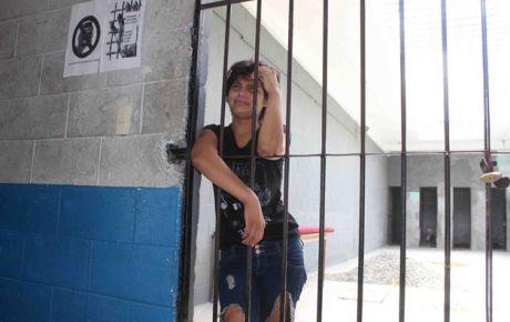 La mujer permaneció por 12 horas en la cárcel porque no tenía para pagar 400 pesos de multa. (Foto: La Silla Rota)