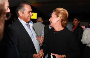 'El Bronco' y Sara Latife.