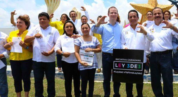 Luis Torres Llanes, candidato de la alianza PAN-PRD a la alcaldía de Othón P. Blanco, estuvo en Cancún en el acto encabezado por Carlos Joaquín González para presentar su declaración patrimonial.