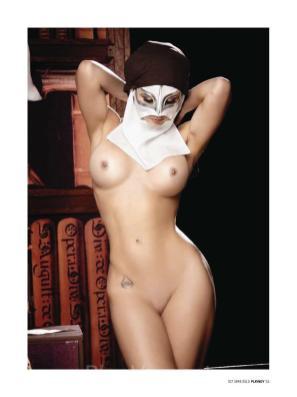 Playboy-Mexico-Octubre-2010-La-Reata-de-Brozo10