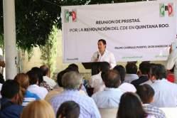 El diputado José Luis 'Chanito' Toledo, durante su discurso en el cónclave de Felipe Carrillo Puerto.
