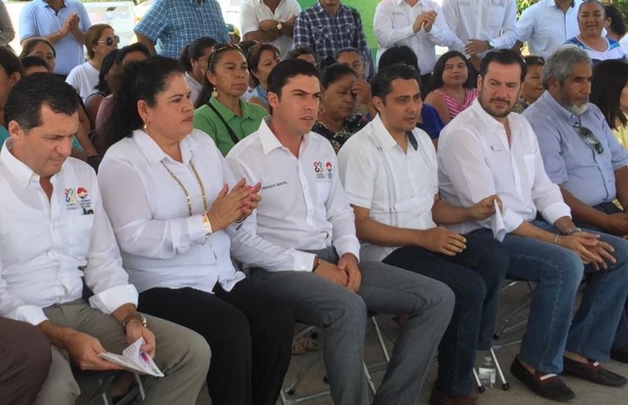 El alcalde de Cancún, Remberto Estrada, fue entrevistado hoy sobre el proyecto de la llamada 'Gran Rueda Cancún'.